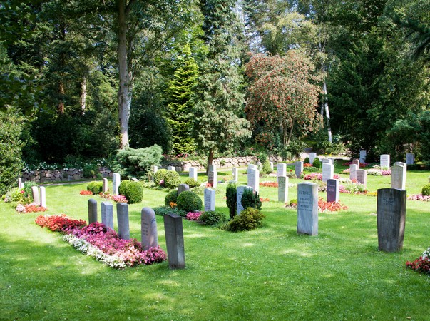 Grabstellen - Waldfriedhof in Wentorf